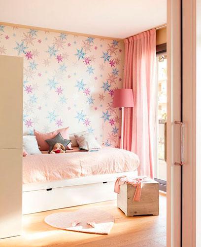 бежевая детская комната для маленькой девочки 4