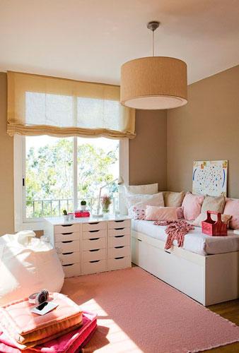 бежевая детская комната для маленькой девочки 3