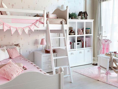 бежевая детская комната для маленькой девочки