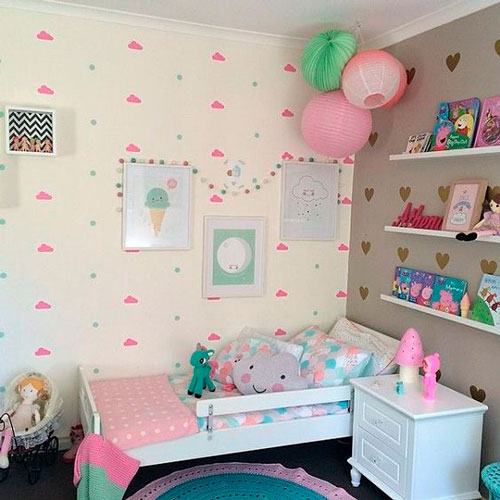 красивый интерьер детской комнаты в бежевом цвете 10