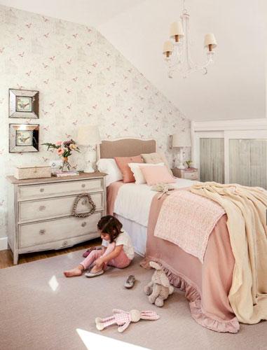 интерьер детской комнаты в бежевом цвете 19