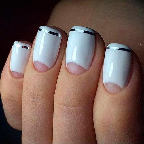 лунный дизайн ногтей в белом цвете