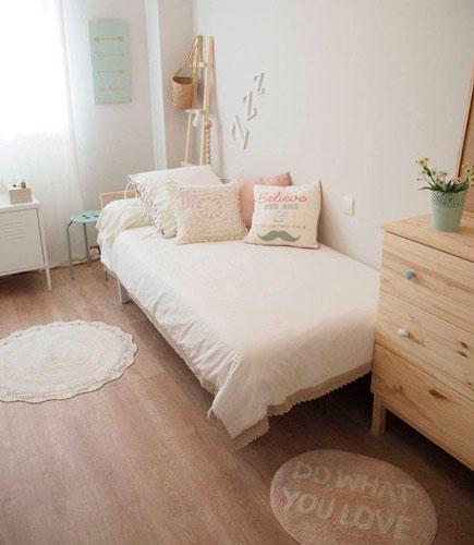 красивый интерьер детской комнаты в бежевом цвете 2