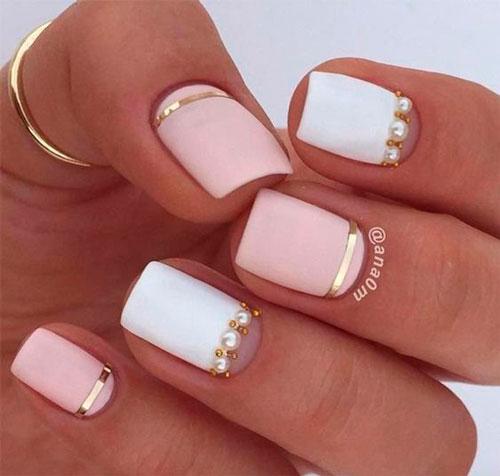 дизайн ногтей в белом цвете с розовым рисунком