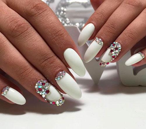 фото дизайна ногтей в белом цвете