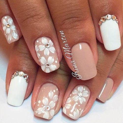 романтичный дизан ногтей с белыми цветами