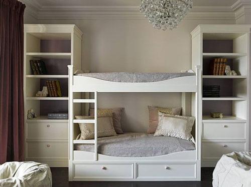 как расположить мебель в детской комнате: спальная зона 2