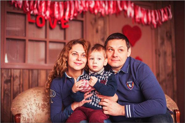 Мама папа и ребенок идеи для фотоссесии на 14 февраля