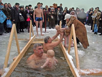 купание на крещение детей и взрослых