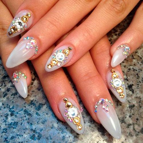 натуральные острые ногти
