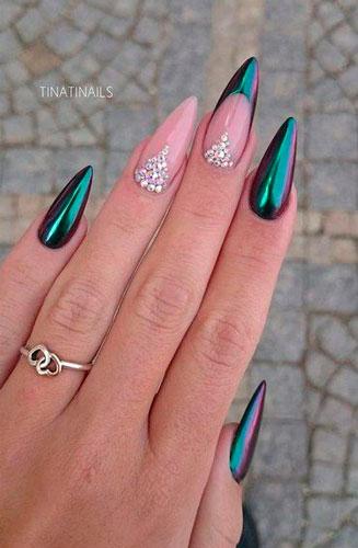 необычный дизайн острых ногтей