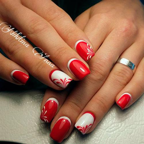 красный маникюр с луной на ногтях
