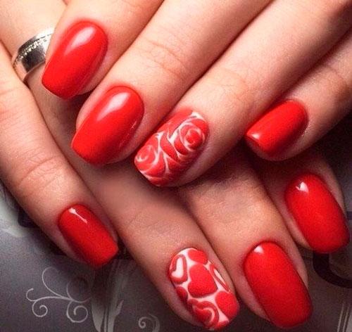красные сердца на ногтях