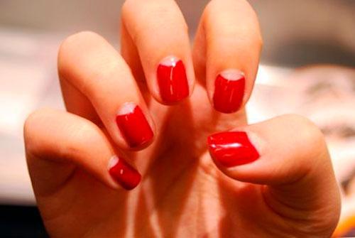 Дизайн ногтей с красным гель лаком: лунный