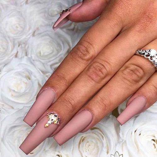 дизайн ногтей модной формы балерина