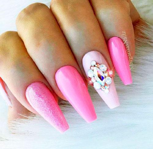 фото дизайна ногтей с розовым гель лаком