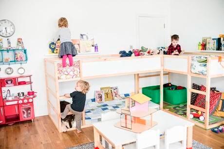 удобное расположение кроватей в детской комнате