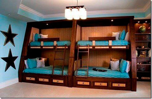 четверо детей в одной комнате как сделать кровати
