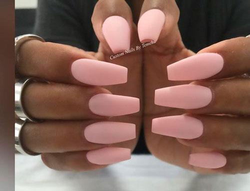 матовый гель лак на ногтях формы балерина