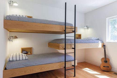 синяя детская комната для троих детей 2