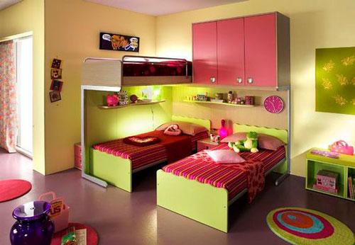 розовая детская комната для трех девочек