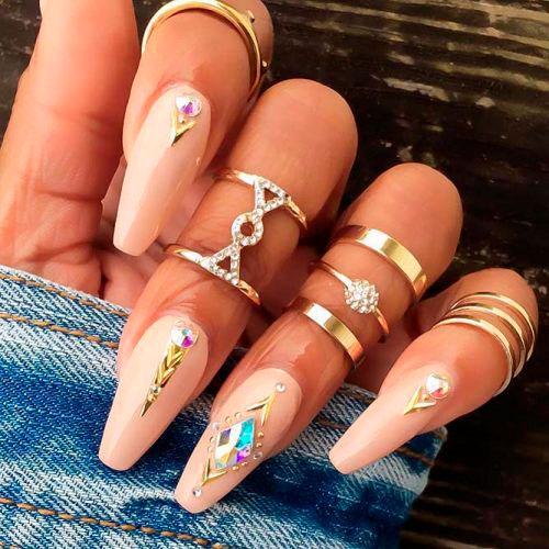 изысканные ногти былерина с красивым покрытием