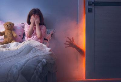 Ребенок просыпается с истерикой днем: детские страхи