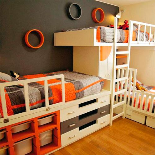 как расположить мебель в детской для трех детей 7