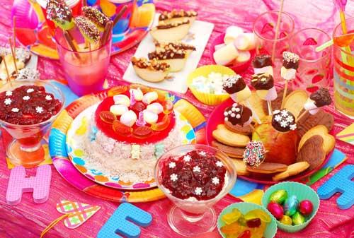 детский день рождения в домашних условиях: красивый стол 3
