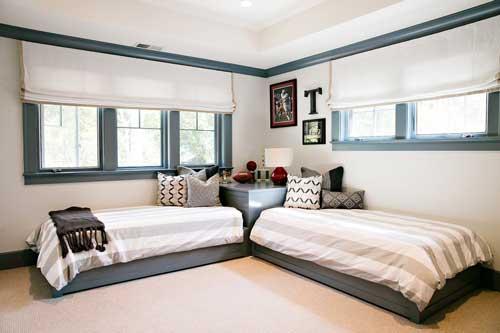 расположение кроватей в детской комнате для двоих детей 6