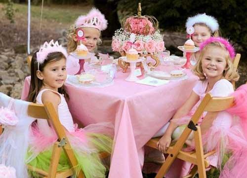 тематический День Рождения девочки дома