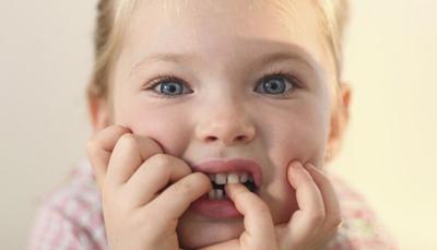 Как отучить ребенка грызть ногти на руках в 5 лет