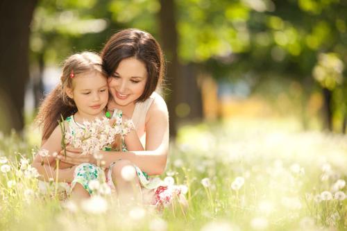идеи весенних фотосессий с дочкой