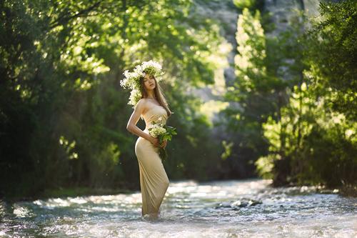 весенее фото у реки