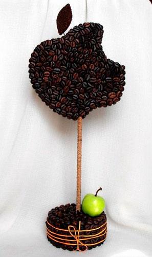 красивый топиарий из кофейных зерен