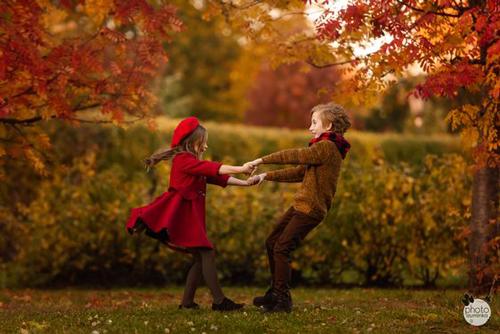 идеи для семейной фотосессии с детьми осенью 2