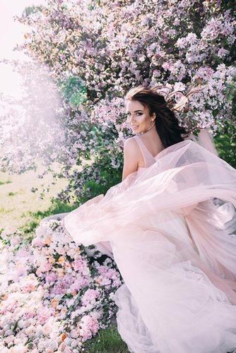 идеи для весенней фотоссесии в цветущем саду