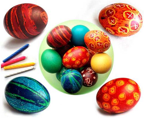 оригинальные идеи покраски яиц на Пасху: с помощью карандашей и мелков