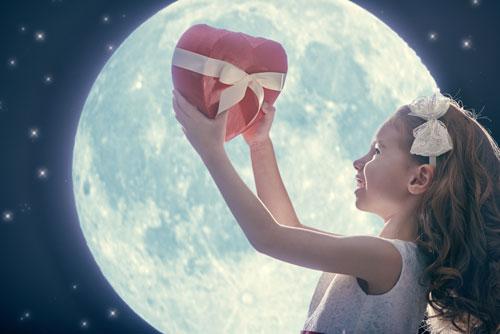 Самые красивые стихи про луну для детей