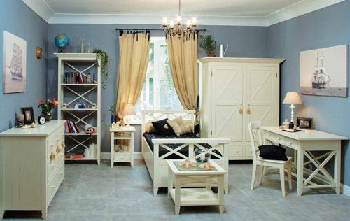 детская комната для мальчика в классическом стиле с белой мебелью