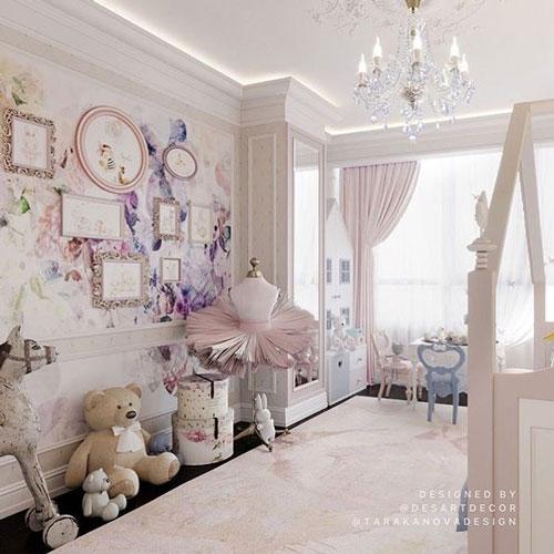 интерьер классической детской комнаты для малышки