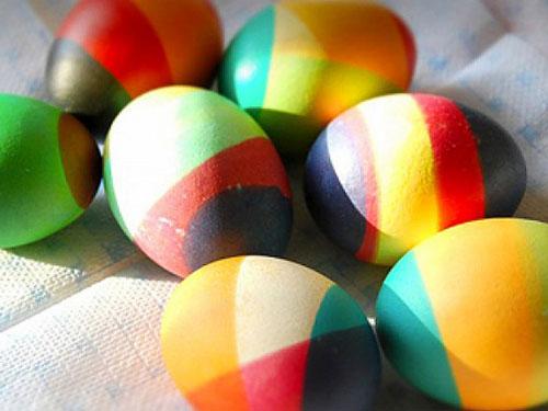 как красить яйца на Пасху: радужная окраска 3
