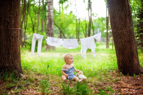 идея для фотоссесии малыша летом