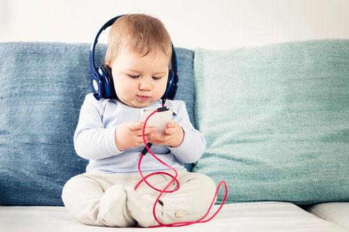 Загадки про телефон с ответами для детей