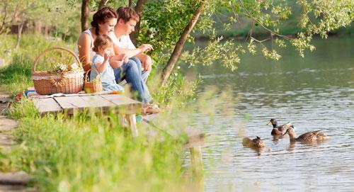Семейная фотосессия летом: лучшие идеи у озера