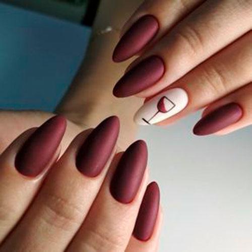 минималистичный дизайн ногтей с матовым покрытием 2