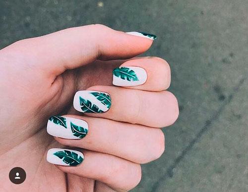 матовый дизайн ногтей с рисунком в виде листьев