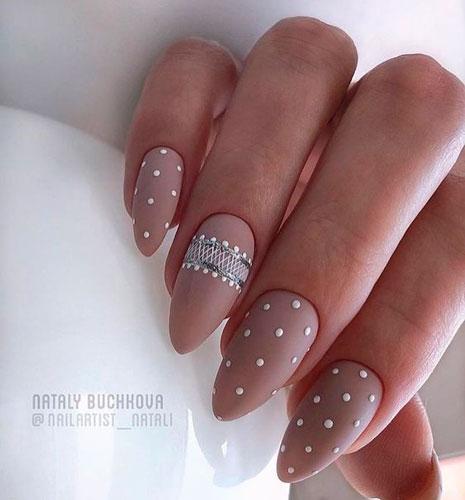 нюдовый дизайн ногтей с матовым гель лаком