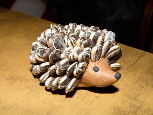 простая поделка из семян подсолнуха для малышей