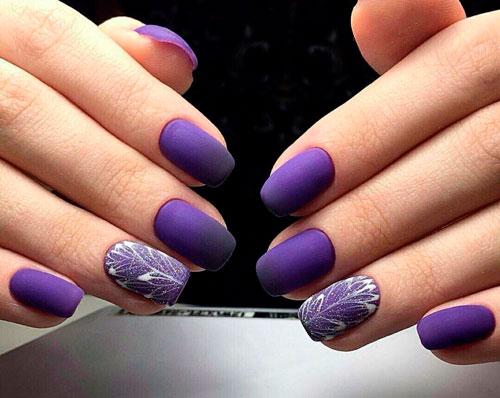 фиолетовый дизайн ногтей с матовым гель лаком